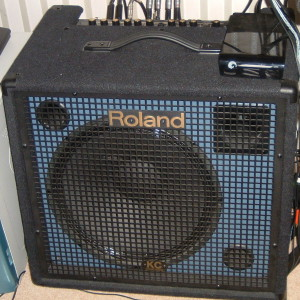 This amp is very heavy! It's a 75 pounder!